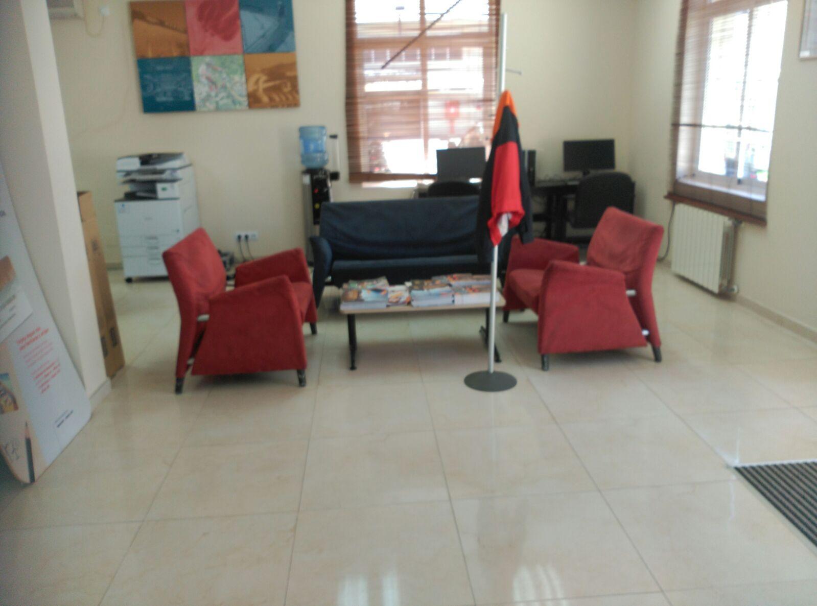 tratamiento antideslizante en las oficinas repsol butano